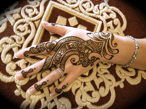 Love Every Moment Of Your Mehndi Ceremony